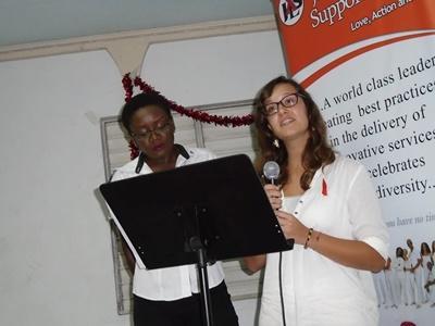 一名Projects Abroad的牙買加義工,在「世界愛滋病日」就HIV/愛滋病的話題發言