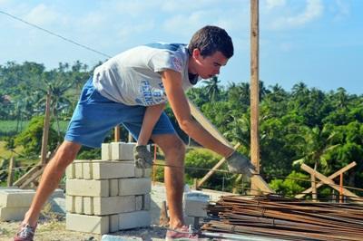 參與社區建設高中生志工營,青年學生能夠幫助菲律賓有需要的社群,回饋社會