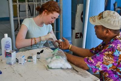 Projects Abroad高中生義工參與菲律賓的公共保健外展醫療工作