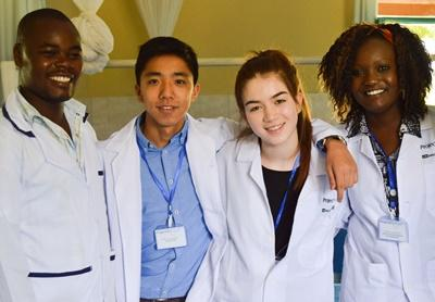 Projects Abroad Medicine High School Special volunteers with local doctors in Nanyuki, Kenya.
