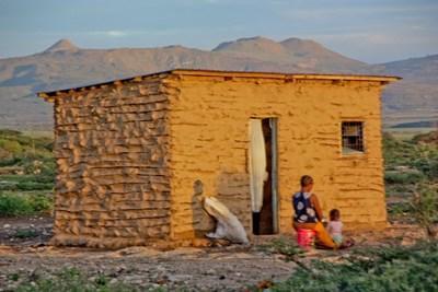 義工在坦桑尼亞村落進行電影製作項目