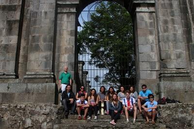 Volunteers in Costa Rica enjoy their leisure time after volunteer work