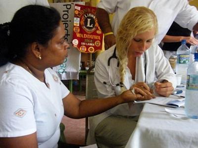 女義工斯里蘭卡參與醫學實習項目
