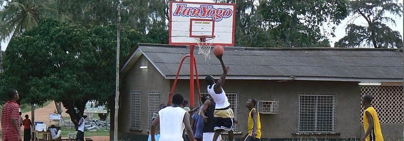Projects Abroad義工在海外進行的籃球指導訓練