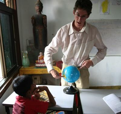 Volunteers teaching in Cambodia