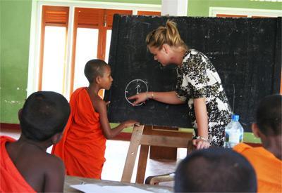 Volunteer teaching in Sri Lanka
